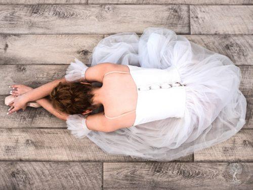 Balettitanssija ylhäältä kuvattuna
